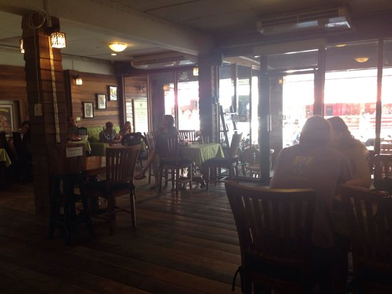 BaanChivitMai: Good atmosphere in the bakery