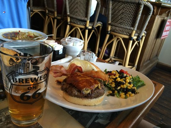 Mile High Grill & Inn: Breakfast for Lunch Burger with roasted corn and black bean salad