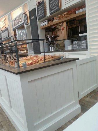 Romeo Cafe
