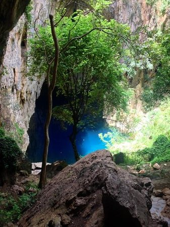 Chinhoyi Caves: Entrance Path to Pool (quite steep)