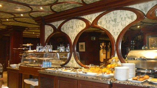 Hotel Rice Reyes Catolicos: Завтрак