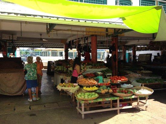 Le Peninsula Bay Beach Resort: le marché de Mahébourg