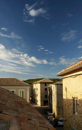 Auberge de l'Orangerie : фото с террасы нашей комнаты