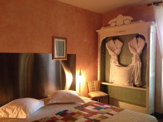 Chateau de Touny Les Roses : Спальня