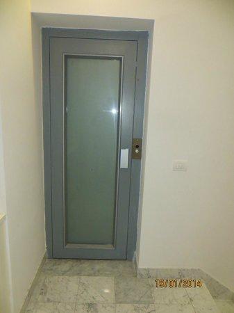 Palazzo Tasso: Small lift