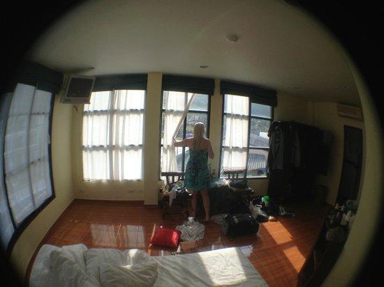Baan Suay Resort Karon Beach: Room