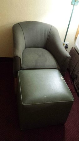 Extended Stay America - Fort Lauderdale - Tamarac: Stained Furniture