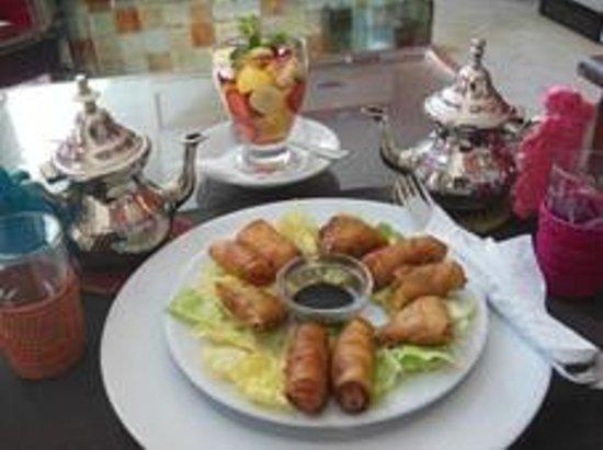 Pause Gourmande : Briouat macedonia e tè alla menta