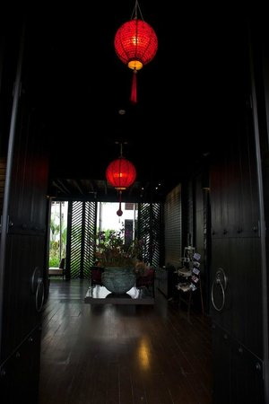 U Chiang Mai: Entrance and Guest Lounge
