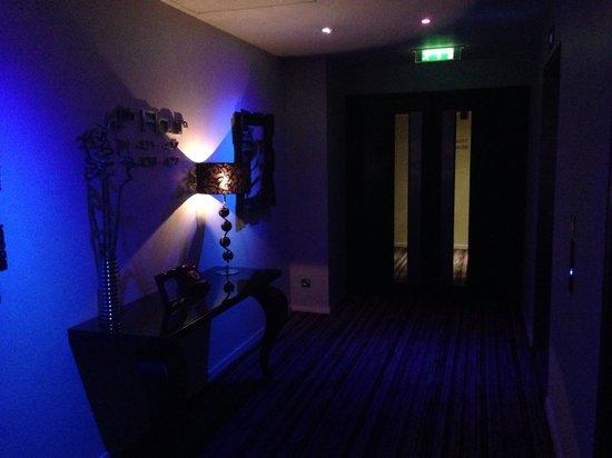 The Trafalgar Hotel: Outside the lift