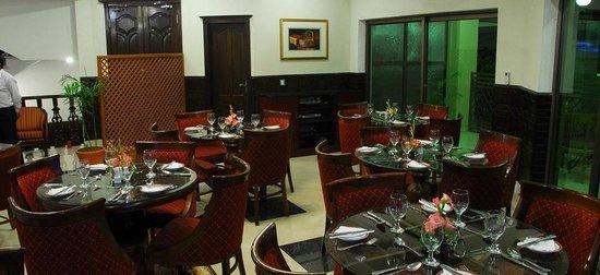 Avari Xpress Residence – 7th Avenue: Restaurant