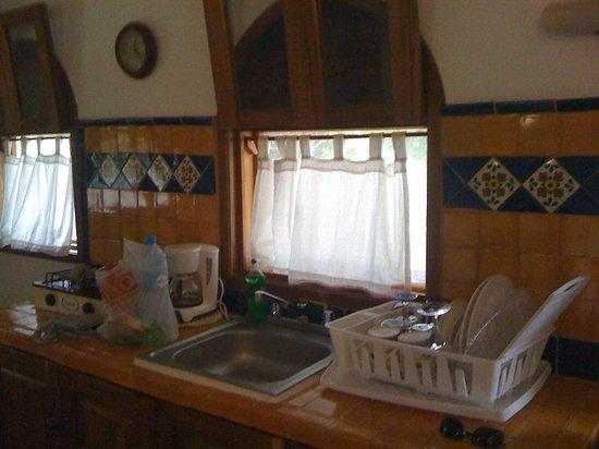 Posada Yum Kin: kitchenette room 9