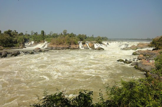 Champasak, Laos: メコン川最大の滝