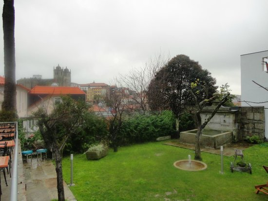 Vitoria Village: View of the garden