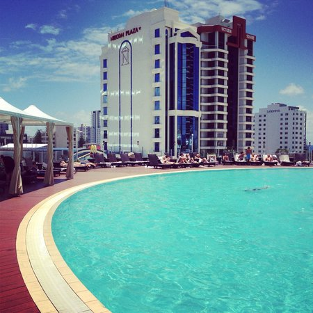 Sofitel Gold Coast Broadbeach: The pool