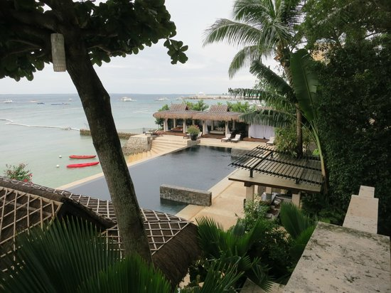 Abaca Boutique Resort : view of the pool from the restaurant
