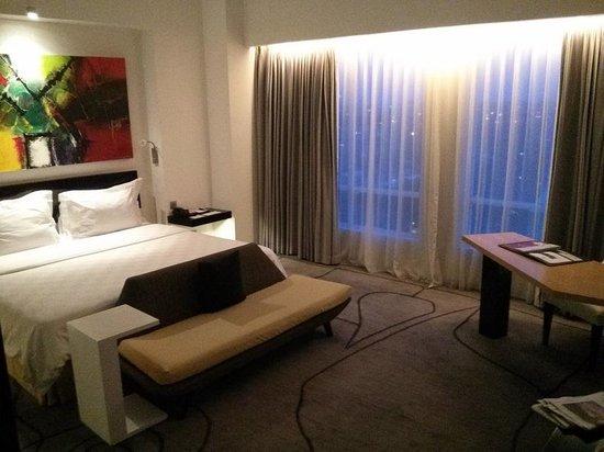 TS Suites Surabaya: big spacious room