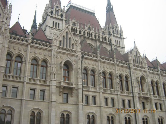 Medosz Hotel: PARLIAMENT YOU MUST VISIT