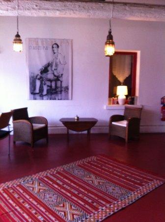 Cote Patio Hotel Nimes : le patio