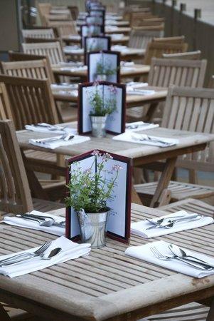 Piccolino: Summer tables