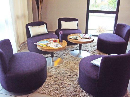 Inter-Hotel Novella Nantes Carquefou : coin salon