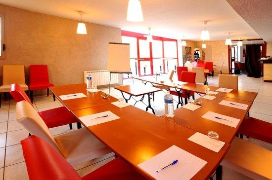 Inter-Hotel Novella Nantes Carquefou : salle de réunion
