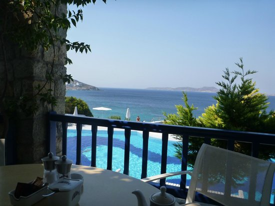 Mykonos Grand Hotel & Resort: Breakfast view