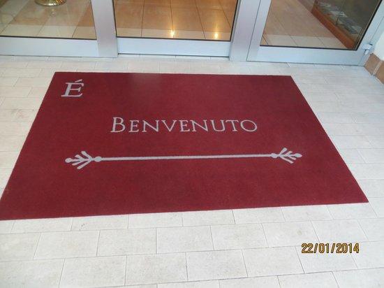 Estee Hotel : Welcome message