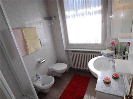 Apartments Isabella: Bath