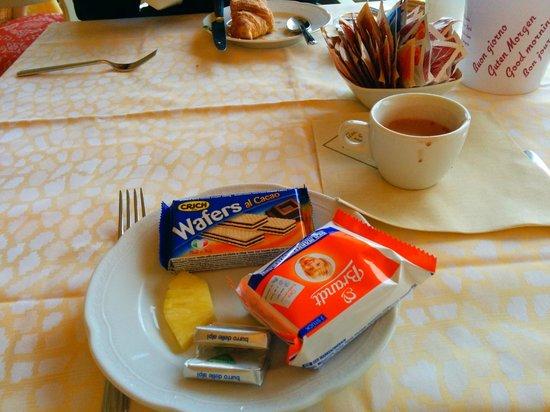 Estee Hotel: Breakfast