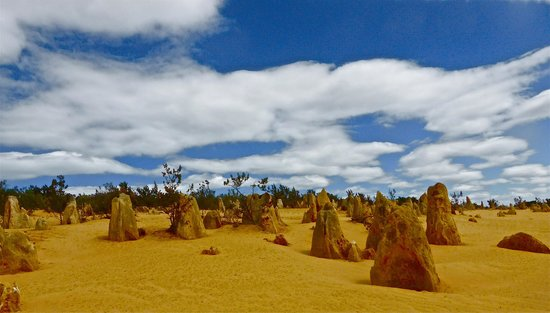 Kandu Holidays: Pinnacles - an eerie landscape
