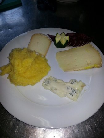 Nuova Osteria Dei Cacciatori : Polenta e formaggi