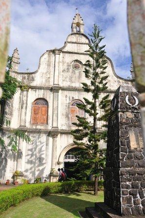 Vasco da Gama Square: Vasco da Gama Church