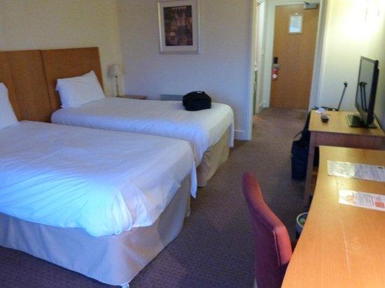 Wychwood Park Hotel: twin bed room