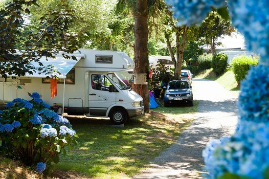 emplacement au camping les sables blancs