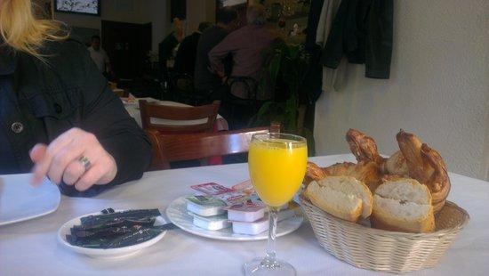 Hotel Oreneta: Desayuno!!