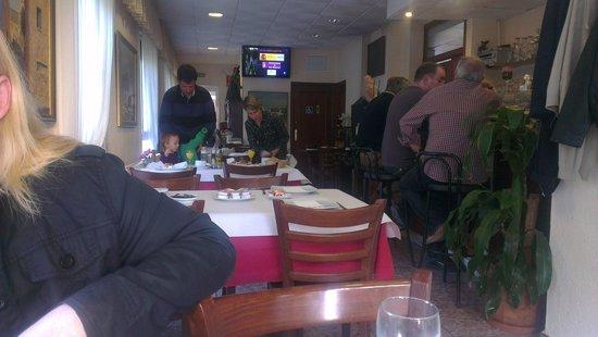 Hotel Oreneta: Comedor y Bar
