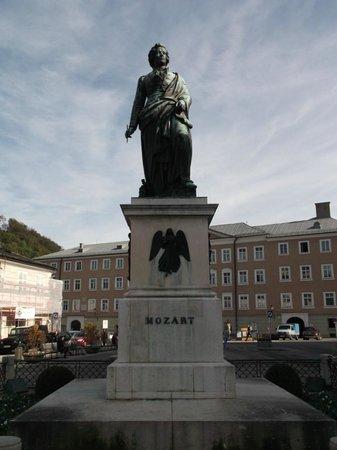 Mozartplatz : Estátua Mozart
