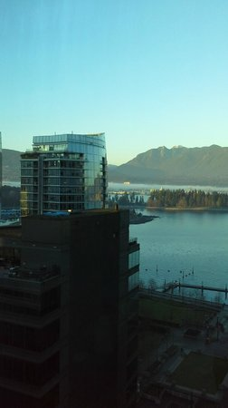 Coast Coal Harbour Hotel by APA: View from the 19th floor room