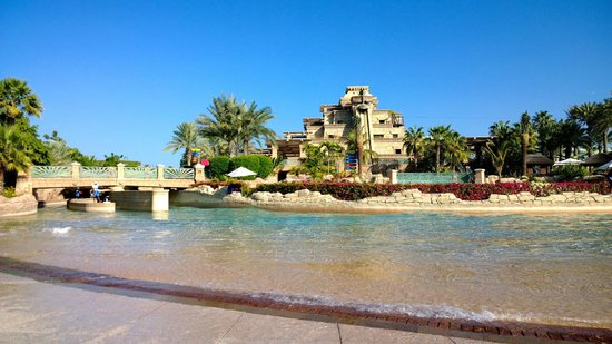 Atlantis, The Palm : Aquaventure (we got there first thing in the morning)