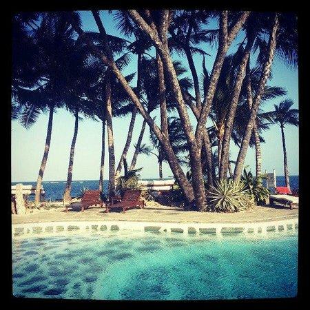Kilili Baharini Resort & Spa: Beach Pool area