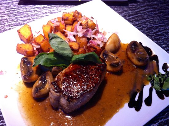 Gate Restaurant: food