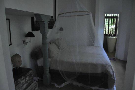 Bawa House 87: Room