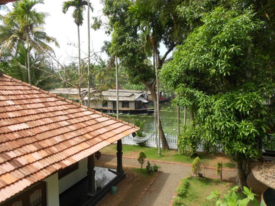 Bamboo Lagoon Backwater Front Resort : view of canal