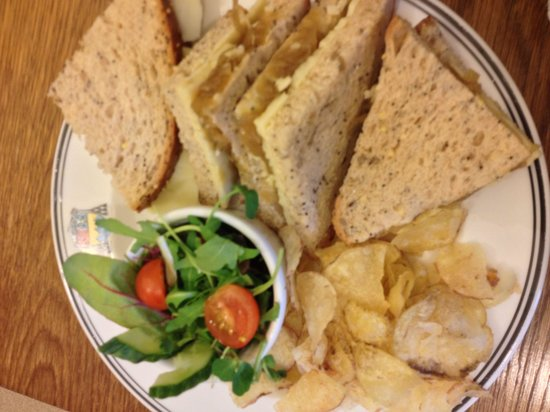 Ampleforth Abbey : Cheese and sweet onion sandwich. VERY yummy!