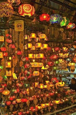 Großer Basar (Kapalı Çarşı): Light shop