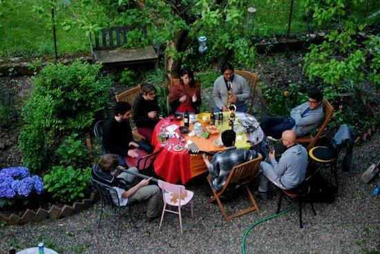I Quattro Gatti Guesthouse : Spring lunch!