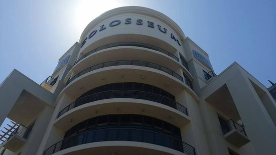 Colosseum Luxury Hotel : The outside of the hotel
