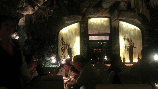 Adria Hotel Prague: ресторан Тритон