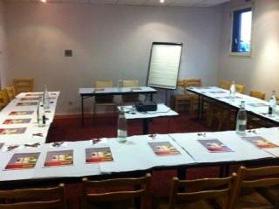 Hotel balladins Bobigny: salle seminaire
